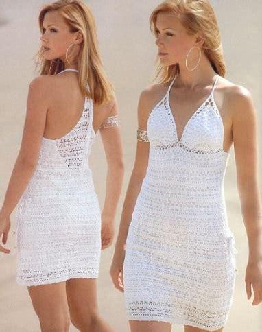 beyaz dantel elbise modeli ev dekorasyon fikirleri boyundan askılı dekolteli bayan dantel elbise modeli