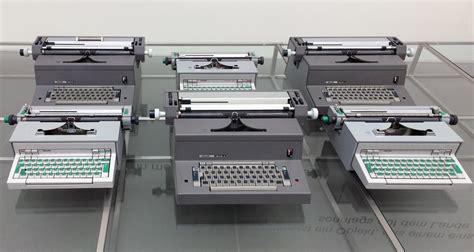 tekne memphis macchina da scrivere ettore sottsass and olivetti stylepark