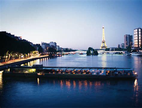 boat trip seine paris dinner buy bateaux parisiens river seine dinner cruise