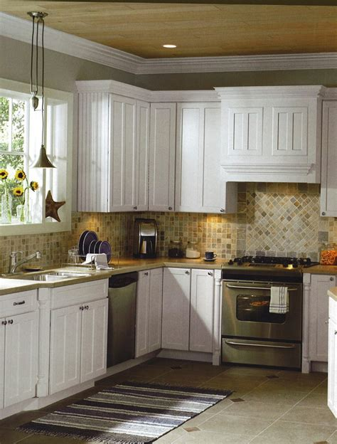 backsplash with white cabinets and granite home design