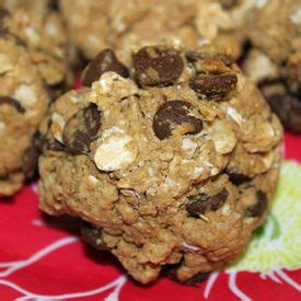 1 protein scoop of oats protein cookies 1 tbsp almond butter 1 2 cup oats 1 scoop