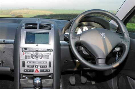 peugeot 407 coupe interior peugeot 407 coup 233 2006 2010 features equipment and