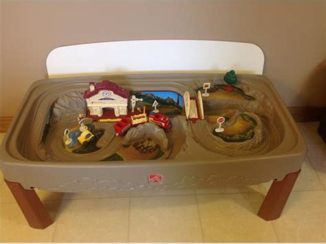 Step2 Deluxe Road And Track Table by Step 2 Deluxe Table With Lid