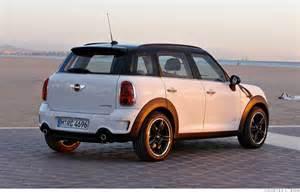 Mini Cooper Crossover Suv Mini Cooper Suv Unveiled Power Range 4 Cnnmoney