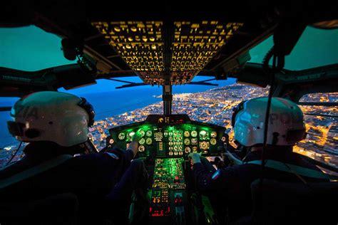 questura di trieste permesso di soggiorno mostra fotografica orizzonti d italia dagli elicotteri