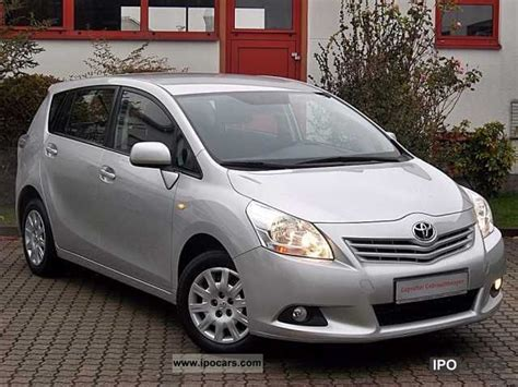 7 Seater Cars Toyota Verso 2009 Toyota Verso 1 6 7 Seater Car Photo And Specs