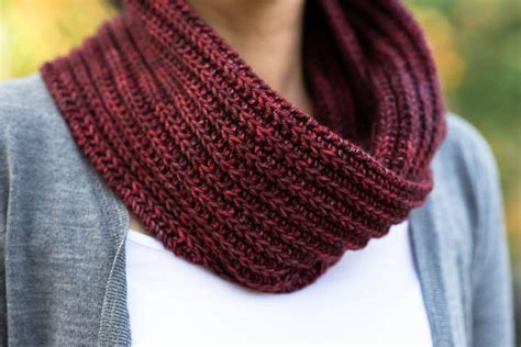 free knitted cowl patterns knitting the barbara cowl free pattern