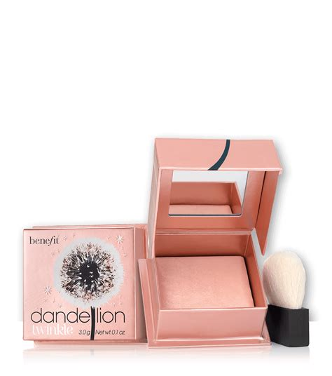 Makeup Benefit dandelion twinkle powder highlighter benefit cosmetics