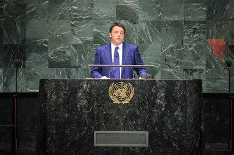 renzi se italia fa l italia non ce renzi alle nazioni unite quot italia sta stupendo il mondo quot
