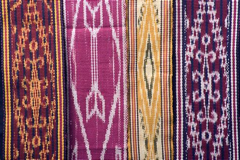Borneo Ikat gallery dayak ikat weaving sintang resources and
