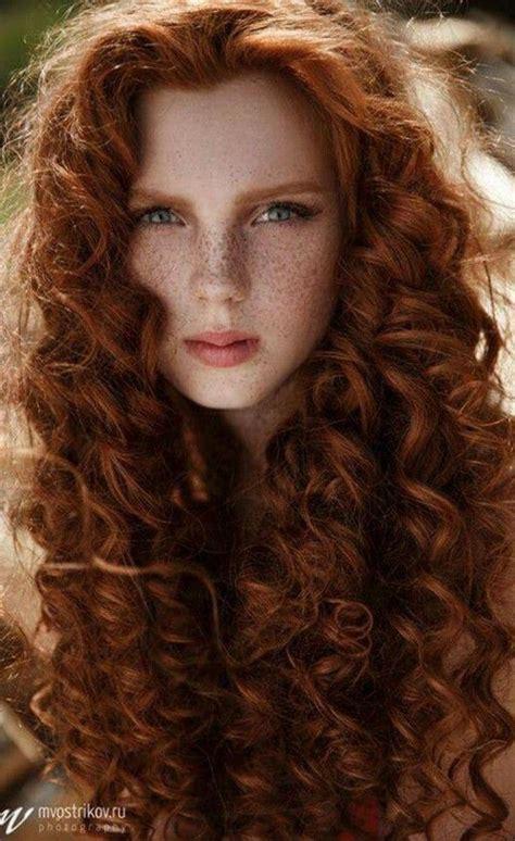 el pelo de la 17 mejores ideas sobre cabello rizado en cabello rizado natural pelo largo y rizado