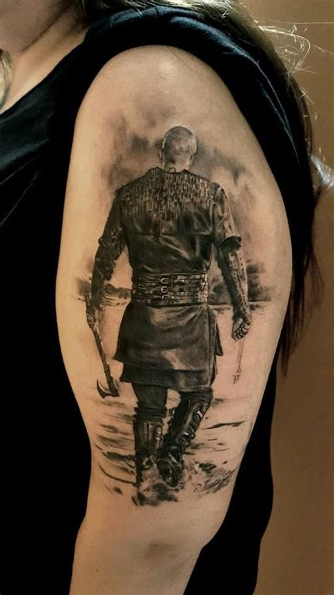 ragnar lothbrok dragon tattoo 25 melhores ideias de tatuagens viking no pinterest
