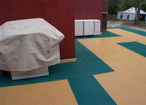 Plastic Patio Flooring by Plastic Interlocking Floor Tiles For Patio Decking
