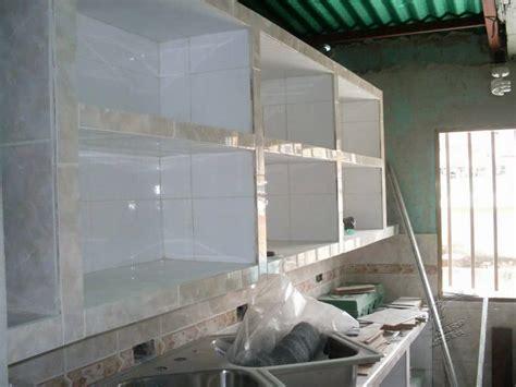 construccion de cocina empotrada en concreto  ceramica