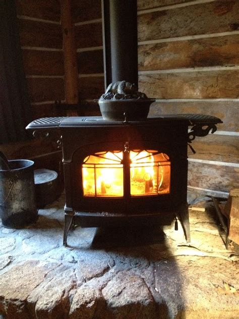 Wood Stove In Cabin by Wood Burning Stoves Wood Burning And The Cabin On