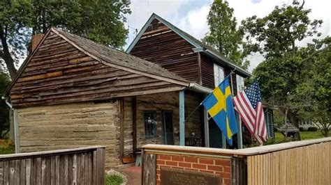 Log Cabin Rentals Nj by Built In 1638 Oldest Log Cabin In The U S Is For Sale In