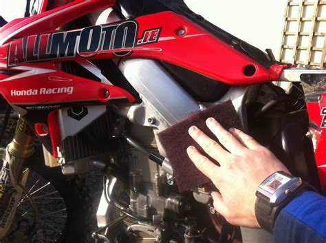 how to clean motocross mechanic tips how to clean your motocross frame