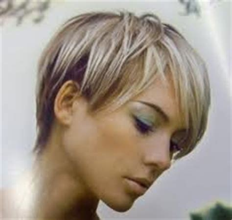 coiffure femme court derriere devant