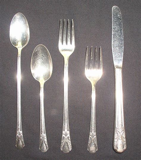 Cabin Flatware by Wm Rogers 1940 Avalon Cabin Flatware Set 78 Pcs Chest Thingery Previews Postviews Thoughts