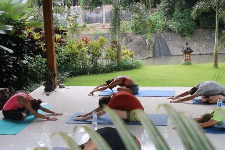 canggu yoga retreat  bali pelan pelan bali
