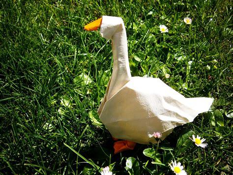 Origami Goose - goose origami by mitanei on deviantart