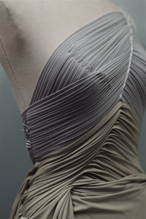 fabric for draping fabric manipulation for fashion design fine pleat