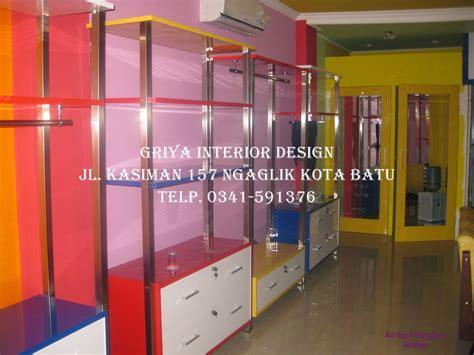 Rak Baju Distro Surabaya design interior boutique busana muslim surabaya