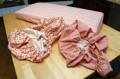 Mini Crib Sheet Pattern How To Sew Mini Crib Sheets Easy With Pictures Minis Sew And