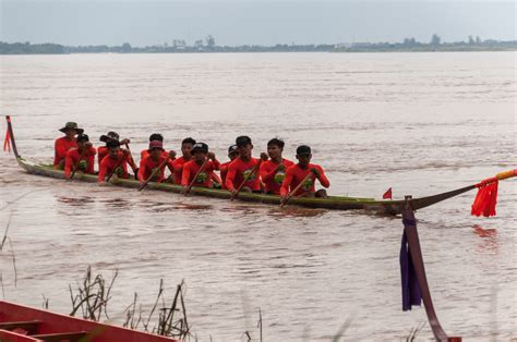 dragon boat festival vientiane chomcheng dragonboat races a life without borders
