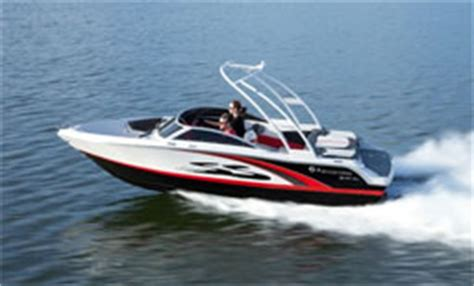 four winns boats kelowna four winns h190 le wakeboard boat rental in kelowna