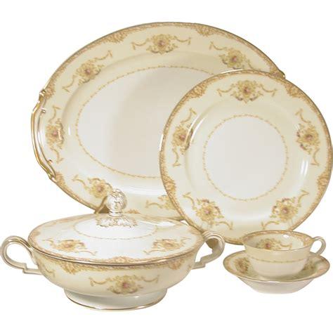 gold pattern dinnerware 74 pcs noritake hibiscus china dinnerware service white