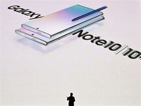the new samsung galaxy note 10 samsung unveils sleeker more powerful galaxy note 10 abc news