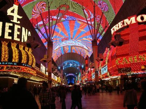 Beach Bed And Breakfast Fremont Street Experience Picture Of Golden Nugget
