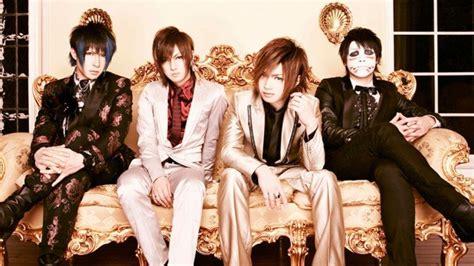 Kaos Band Jepang 002 Sakuranimedistro jadi sensasi band jepang ini selenggarakan konser sepanjang 8 detik merdeka