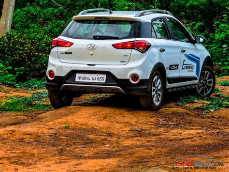 hyundai i20 Active 2   Gaadiwaadi.com   Latest Car News