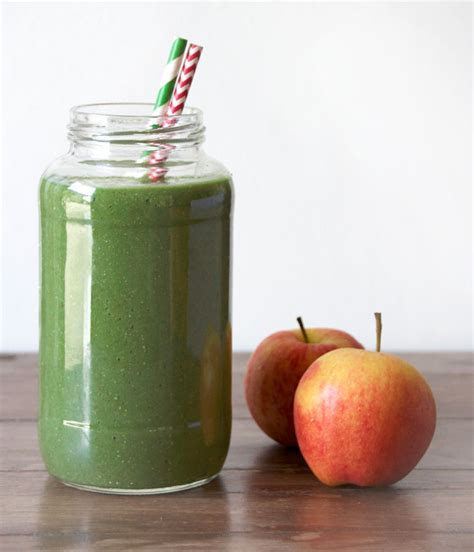 Spinach Detox Shake by Apple Pear Avocado And Spinach Detox Smoothie