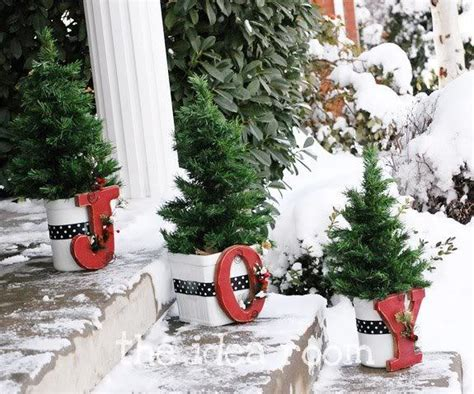 front porch christmas trees 14 front porch christmas decor ideas that will make the