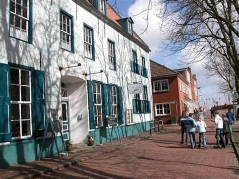 hohes haus greetsiel restaurant hotel hohes haus greetsiel compare deals