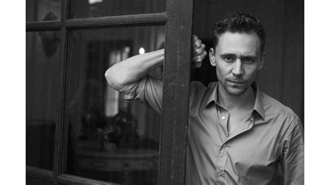 black and white tom hiddleston 4k wallpaper free 4k