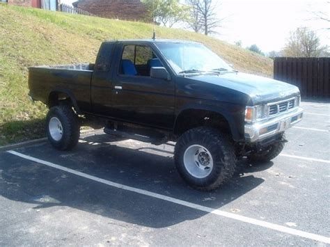 nissan pickup 4x4 lifted nissan hardbody 4x4 body lift