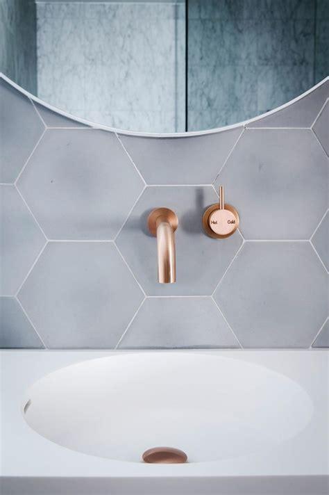 copper tiles bathroom 25 b 228 sta new builds id 233 erna p 229 pinterest coola