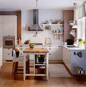 Kitchen Island With Seating Ideas Aluminum Hood And Wooden Floor For Classic Kitchen Ideas