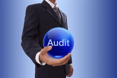 Ebook8 Audit reinventing audit part 1 corporate compliance