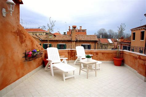booking appartamenti venezia appartamento terrazza biennale italia venezia booking