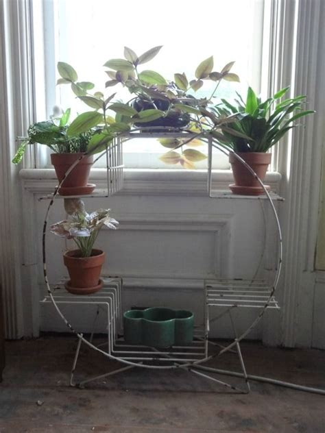 Planter Table Indoor by 17 Best Ideas About Indoor Plant Stands On