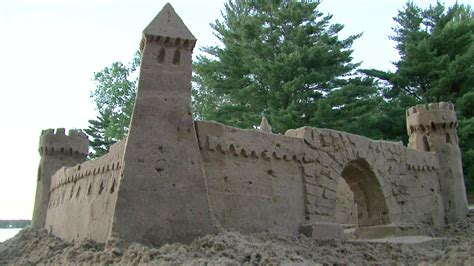 A Castle Of Sand simple sand castle ideas www imgkid the image kid