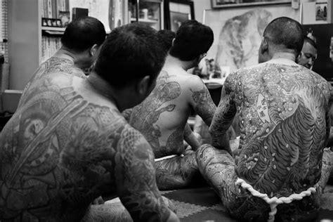 yakuza tattoo historia irezumi la historia de los tatuajes japoneses distopia mod