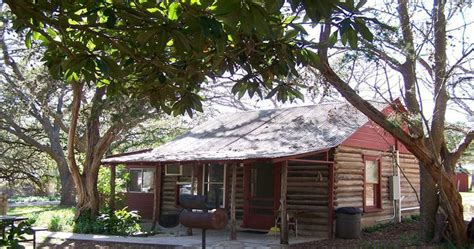 Frio Cabin Rentals by Frio River Cabins On The Bluff Log Cabins On The Frio