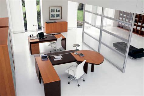 Meja Dan Kursi Untuk Kantor tips menata interior meja kursi kantor nyaman dan mewah