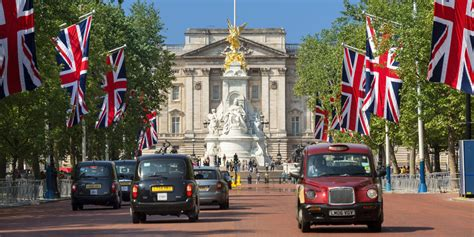 buckingham palace facts buckingham palace facts things you didn t about